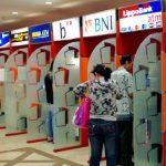 Biaya Tarik Tunai di ATM Lain Diganti Akhir Bulan