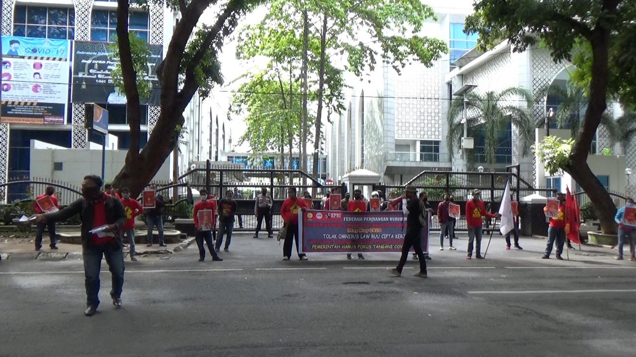 May Day di Medan Diwarnai Aksi Buruh Unjuk Rasa Turun ke Jalan