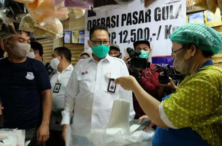Stok Gula Pasir Berlimpah Hingga 75.000 Ton, Bulog Pastikan Harga di Pasar Bisa Ditekan