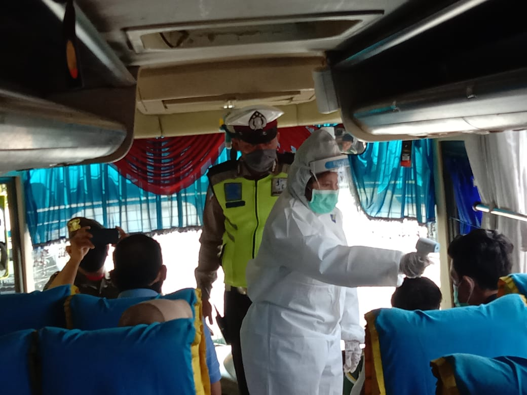 Polisi Putar Balik Kendaraan yang Masih Mudik atau Berwisata ke Tanjungbalai