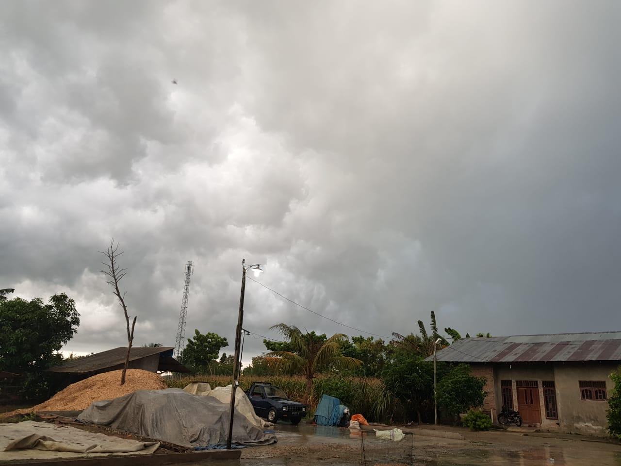 Peringatan Dini Cuaca : Siang Ini, Pakpak Bharat, Karo, Langkat Berpeluang Diguyur Hujan Deras
