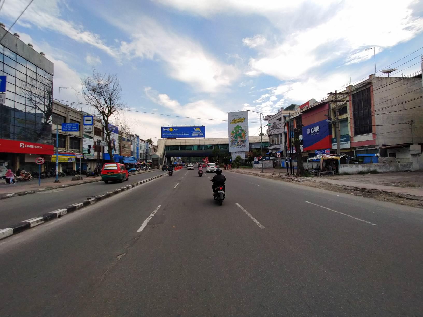 Imbas Corona, Suasana Ruas Jalan di Pusat Kota Medan 'Sepi' Jelang Lebaran