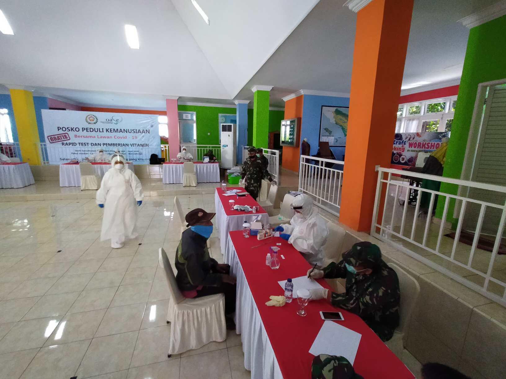 Warga Antusias Ikut Rapid Test Massal yang Digelar Dharma Pertiwi Kodam I/BB