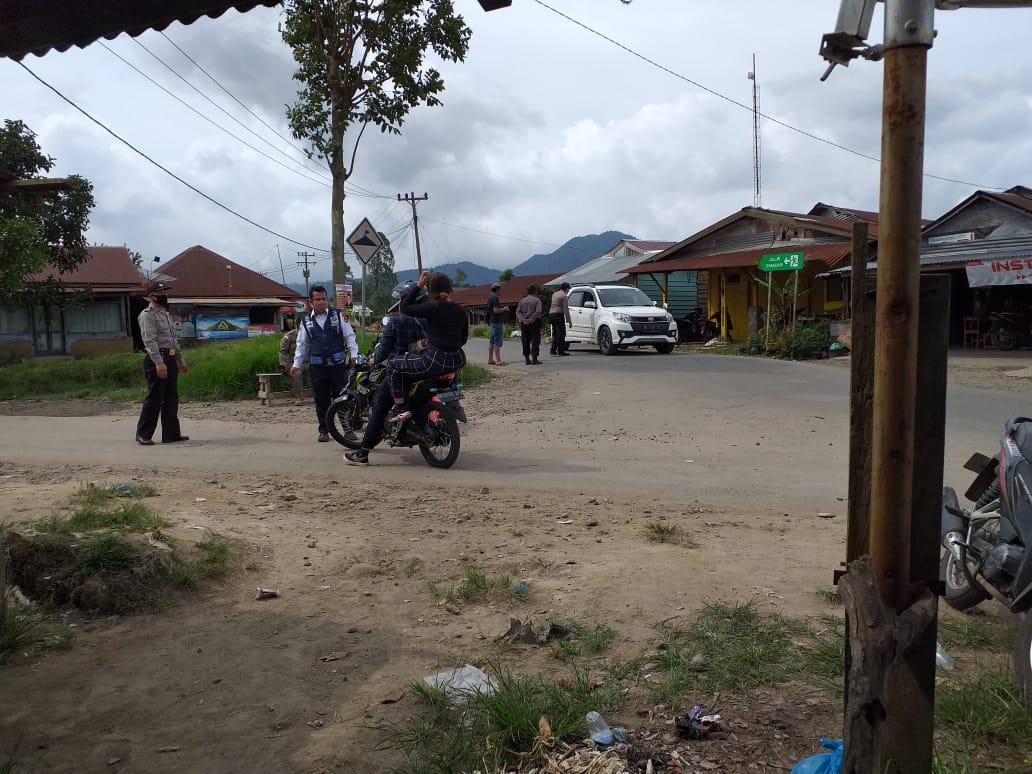 Tim Gugus Tugas Karo Sekat Simpang Tiga Lau Kawar, Wisatawan Disuruh Putar Balik