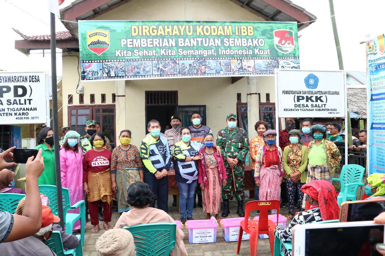 HUT Kodam I/BB ke 70 Bupati Karo Hadiri Pemberian Sembako di Desa Salit