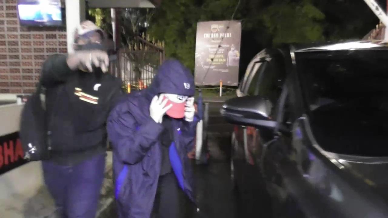Saat Diamankan Polisi, Artis FTV dan 'Teman Kencan' Tidak Memakai Busana di Kamar Hotel
