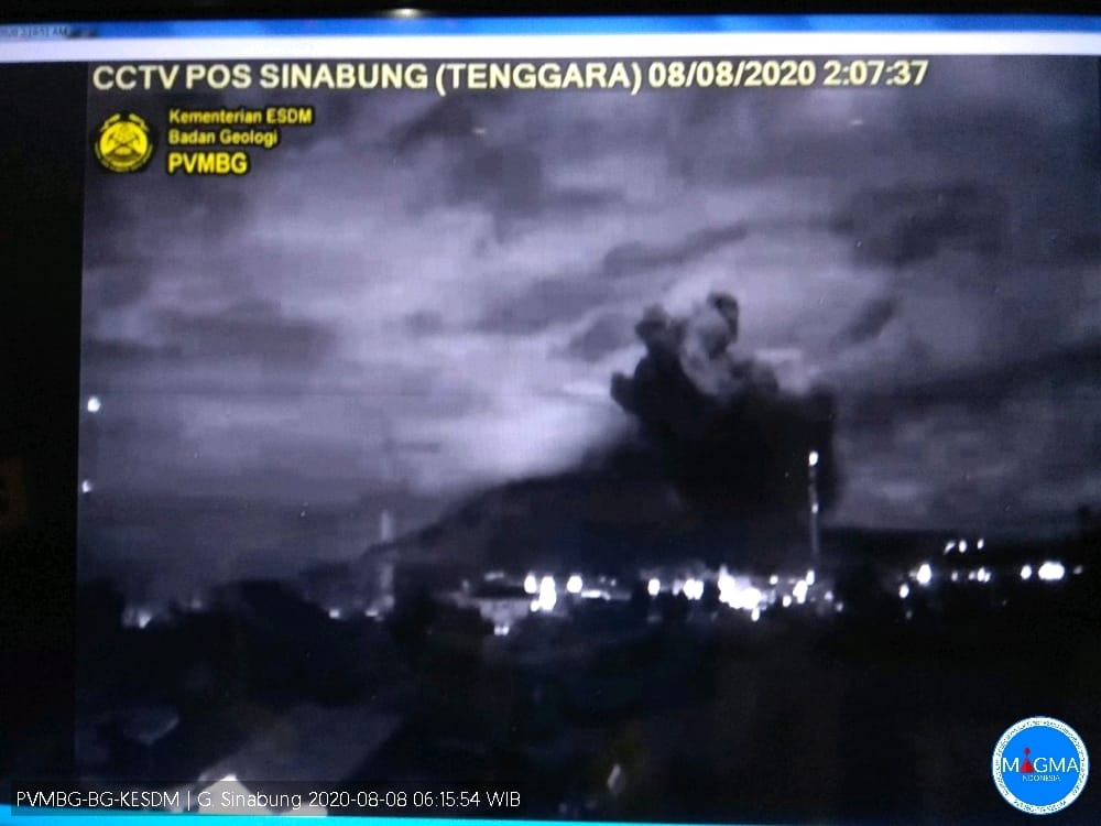 Gunung Sinabung Kembali Erupsi, 4 Kecamatan Tertutup Abu Vulkanik