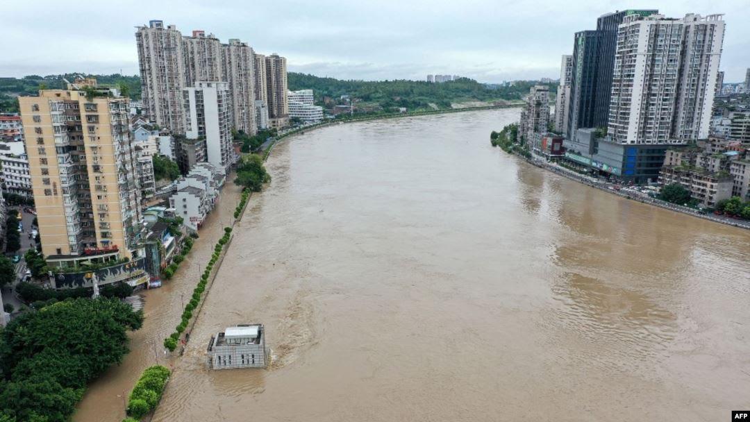 Banjir Landa Sichuan China, 100.000 Lebih Orang Dievakuasi