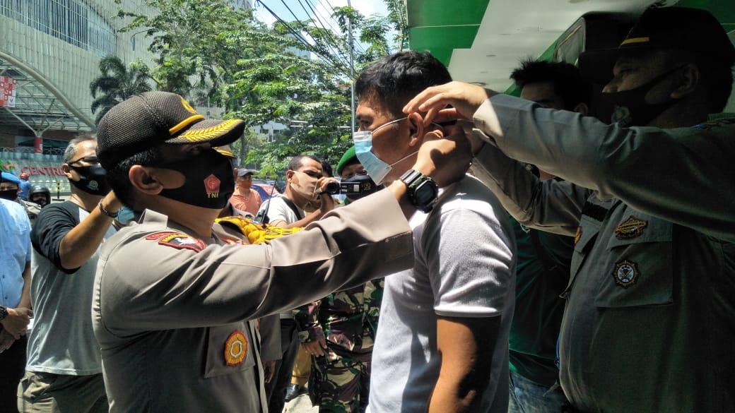 Cegah Covid-19, Muspika Medan Timur Kampanyekan Disiplin Pakai Masker