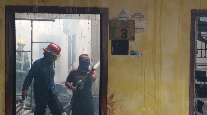 Dilahap Api, 1 Unit Rumah di Lorong Gereja Ludes Terbakar